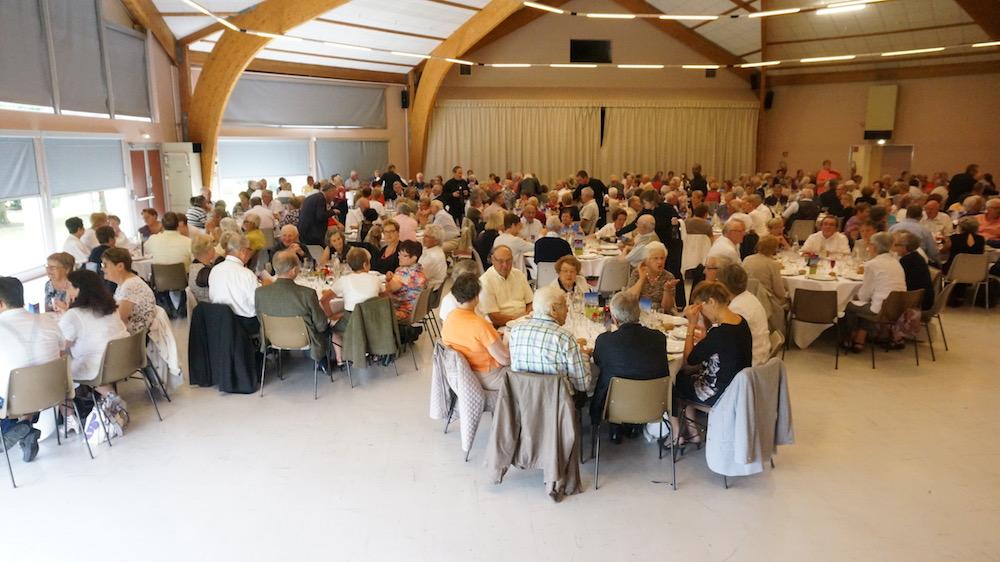 anciens - repas - etrepagny