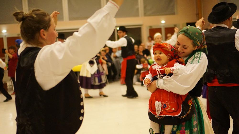 10-danse portugaise-etrepagny