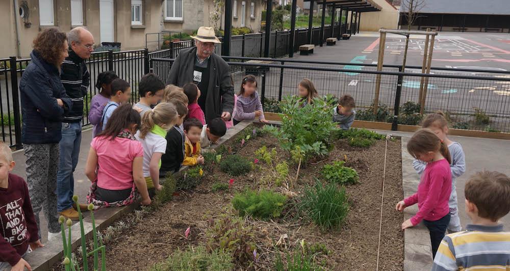 12-jardin eleves-ecoles georges delamare-gerard farcy-etrepagny