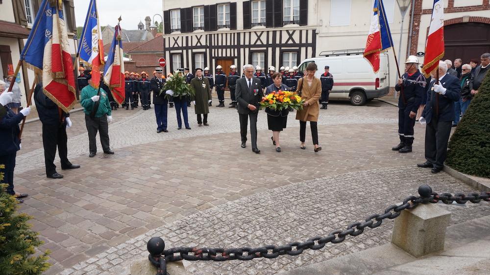 06-commemoration_8_mai_2017_etrepagny