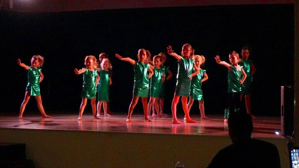 11-etrepagny_ecole danse juin 2017
