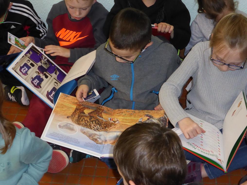 distribution livres ecole primaire etrepagny 2018 - 1