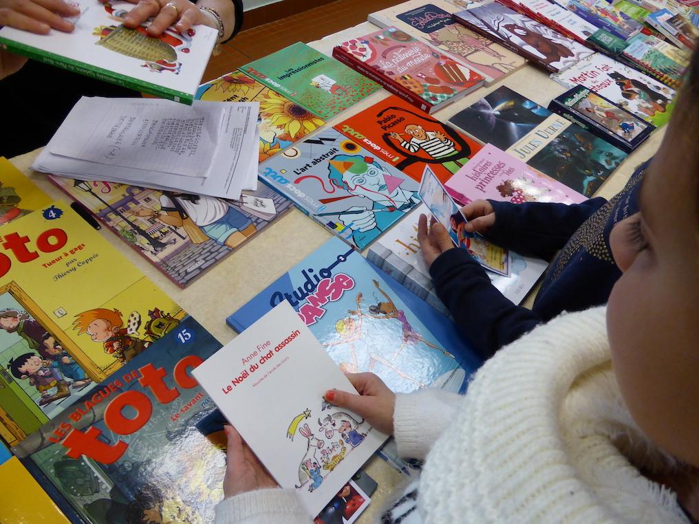 distribution livres ecole primaire etrepagny 2018 - 3