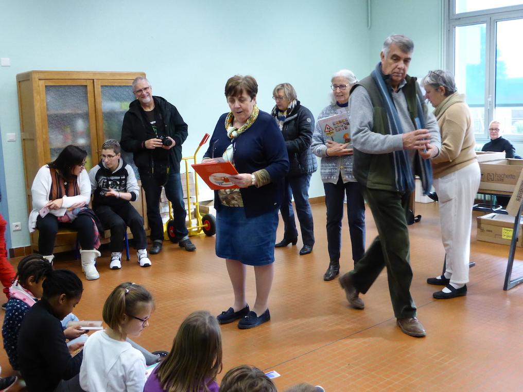 distribution livres ecole primaire etrepagny 2018 - 5