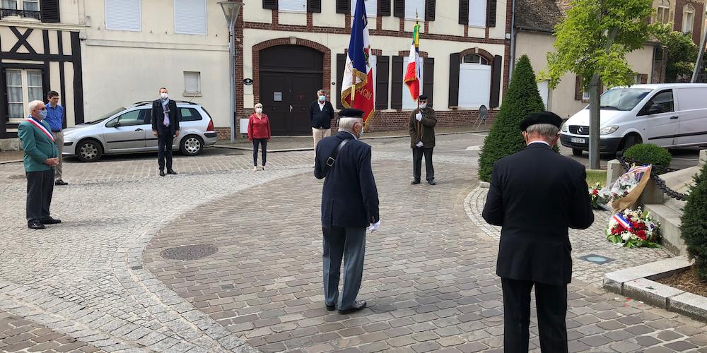commemoration-appel-du-18-juin-etrepagny_frederic-cailliet_2