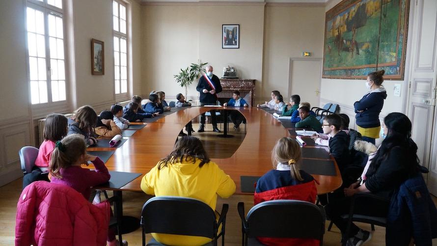 jeunesse-citoyennete-etrepagny-mairie-octobre-2020-1