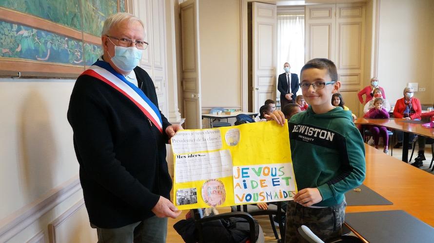 jeunesse-citoyennete-etrepagny-mairie-octobre-2020-2