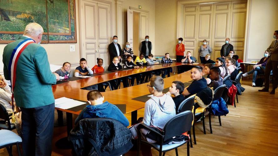 jeunesse_citoyennete_etrepagny_ecoles-8