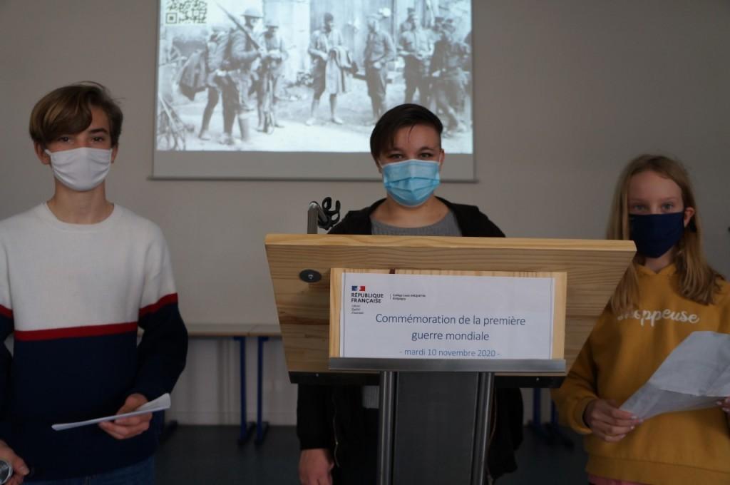 collegiens-lecture-commemoration-11-novembre_etrepagny